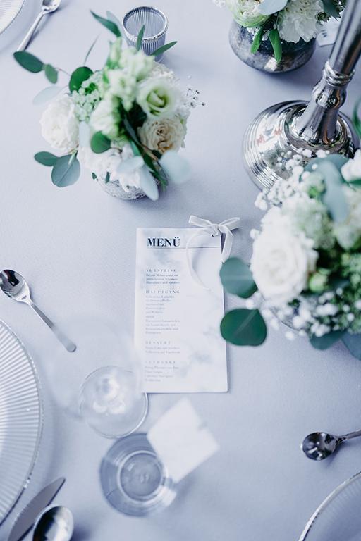 wedding-hochzeit-fine-art-menukarte-transparenz-tisch-dekoration