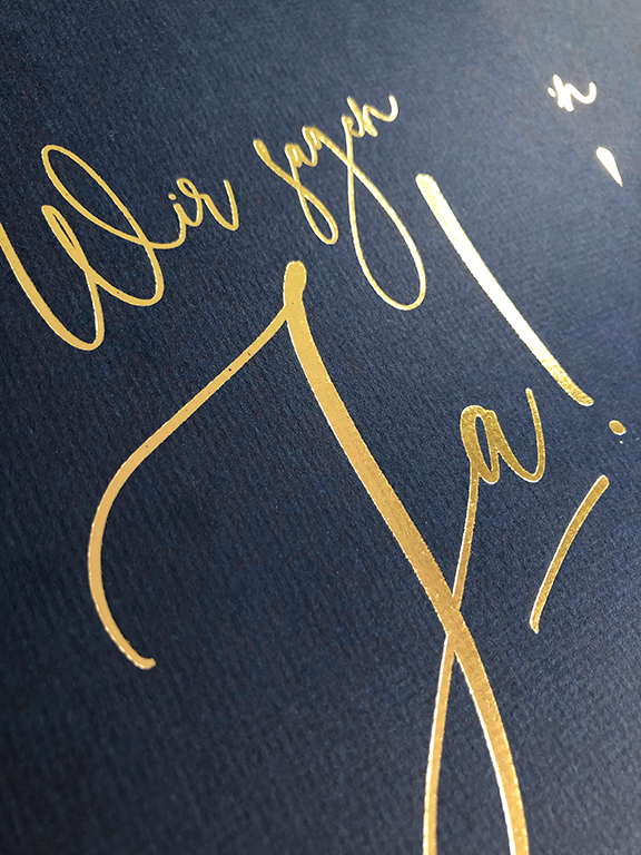 wedding-hochzeit-fine-art-papeterie-daniela-einladung-gold-blau-blue-invitation