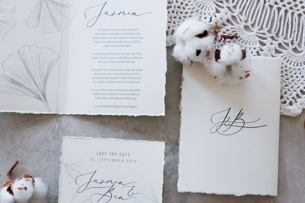 annasart-grafikstudio-papeterie-jasmin-gold-siegel-buettenpapier-save-the-date-vows-in-frint
