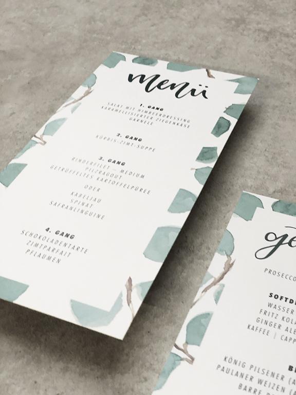 wedding-hochzeit-fine-art-papeterie-sarah-greenery-eucalyptus-menukarte-flatlay