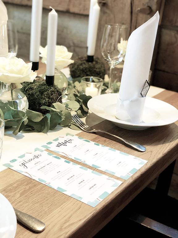 wedding-hochzeit-fine-art-papeterie-sarah-greenery-eucalyptus-tisch-dekoration-menukarte