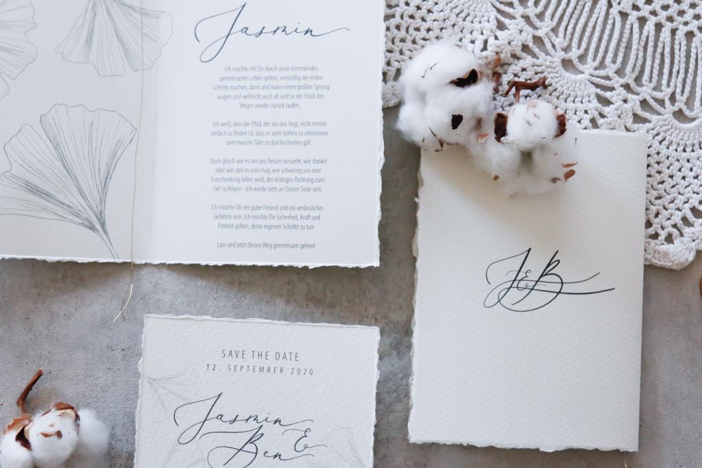 annasart-grafikstudio-papeterie-jasmin-gold-siegel-buettenpapier-save-the-date-vows-in-frint