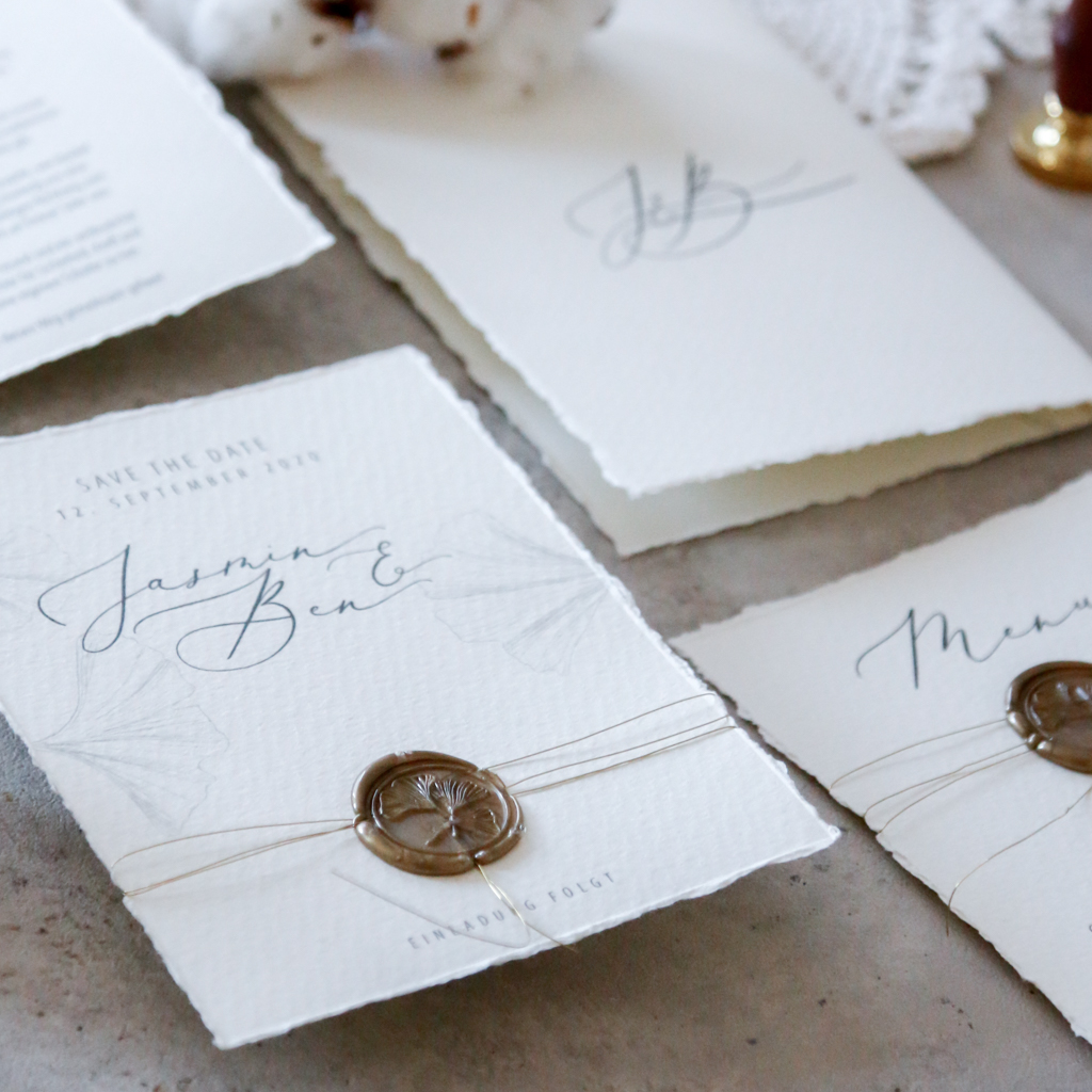 annasart-grafikstudio-papeterie-jasmin-gold-siegel-buettenpapier-save-the-date-vows-menu-2